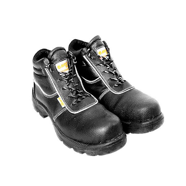 hi-tec-non-metalic-boots